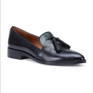 Frye Shoes - NEW STILL IN BOX💛 Frye Erica Venetian Loafers